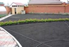 Подготовленная почва для газона
